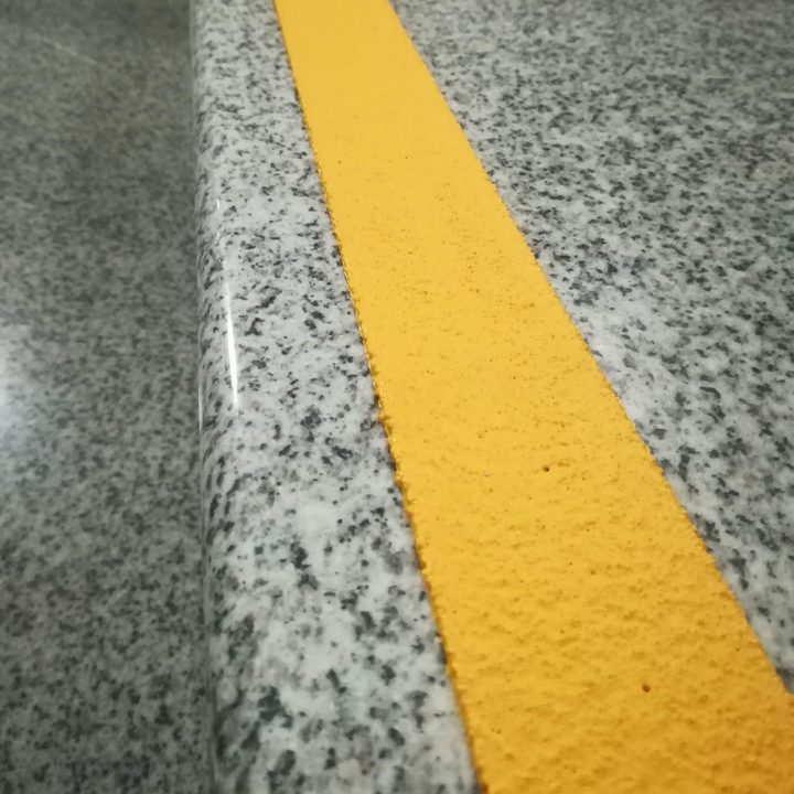 Anti klizni profil-Safety za stepenice |platforme,staze,rampe,|antislip trake|